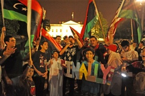 libyans-celebrate-in-front-of-white-house