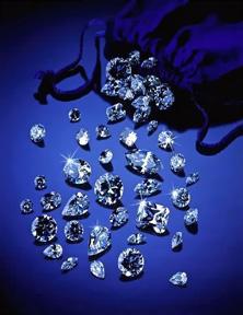 diamonds-falling-from-black-velvet-pouch