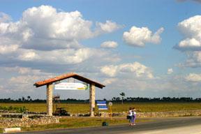 sylverblaque-cubanos-hitchhiking