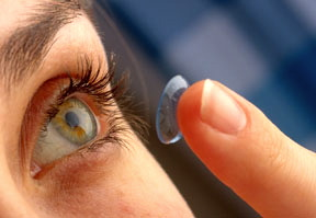 contact-lens-in-eye