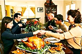 thanksgiving-family-at-dinner-table