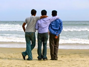 guys-on-beach