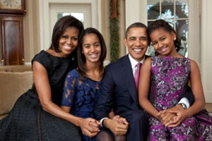 obama-family-christmas-photo