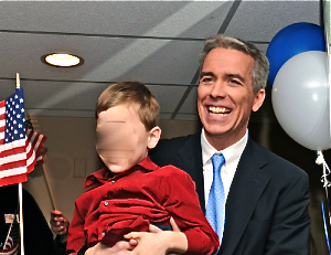 congressman-joe-walsh-holding-child