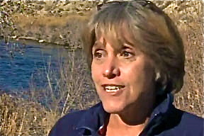 woman-who-saved dog-at-airport-lynn-jones