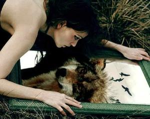 woman-wolf-mirror-reflection
