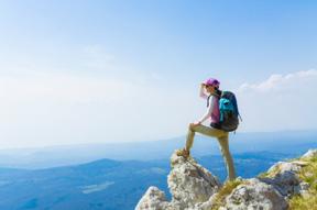 backpacker-on-mountaintop
