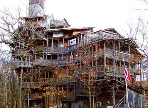 worlds-largest-treehouse